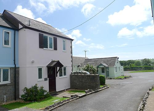 Child Friendly Holiday Cottage - Woodland Cottage, Ivy Tower Village, St Florence - Image 1 - Saint Florence - rentals