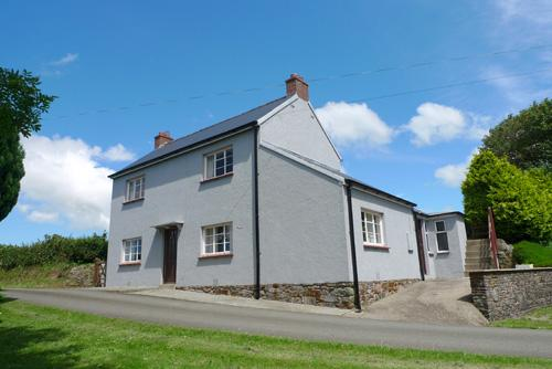 Pet Friendly Holiday Cottage - Ferny Glen Lodge, Roch, Nr Newgale - Image 1 - Newgale - rentals