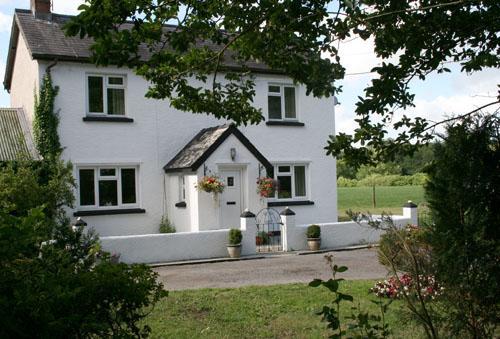 Pet Friendly Holiday Cottage - Courtlands, Saundersfoot - Image 1 - Saundersfoot - rentals
