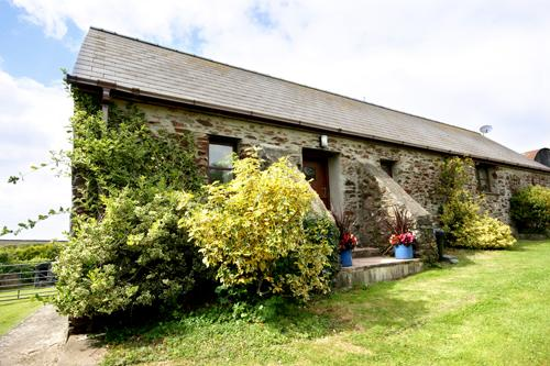 Pet Friendly Holiday Cottage - Kingfisher Cottage, St Ishmaels - Image 1 - Pembrokeshire - rentals