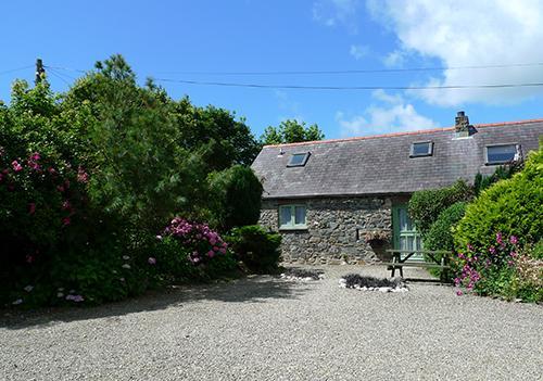 Pet Friendly Holiday Cottage - Rose Cottage, Lochvane, Nr Solva - Image 1 - Newgale - rentals