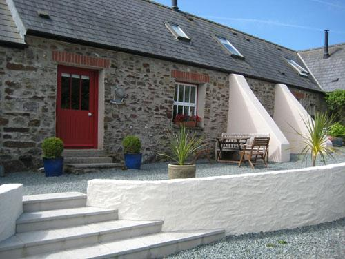 Pet Friendly Holiday Cottage - Ruffin Cottage, Talbenny Hall, Nr Little Haven - Image 1 - Little Haven - rentals
