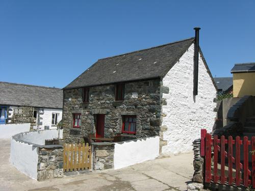Pet Friendly Holiday Cottage - Lobster Pot Cottage, Aberfforest Beach, Newport - Image 1 - Newport - rentals