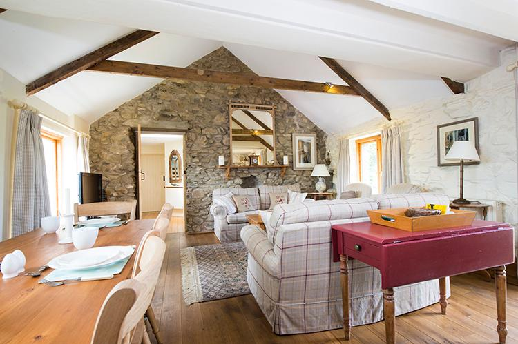 Pet Friendly Holiday Cottage - The Leat, Rhodiad, Nr Whitesands - Image 1 - Pembrokeshire - rentals