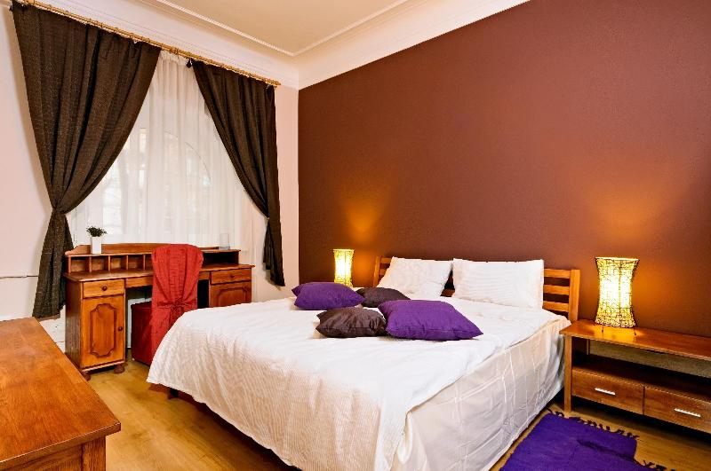 2nd Bedroom - Beautiful Bohdana 3-be Apartment in Kiev Center - Kiev - rentals
