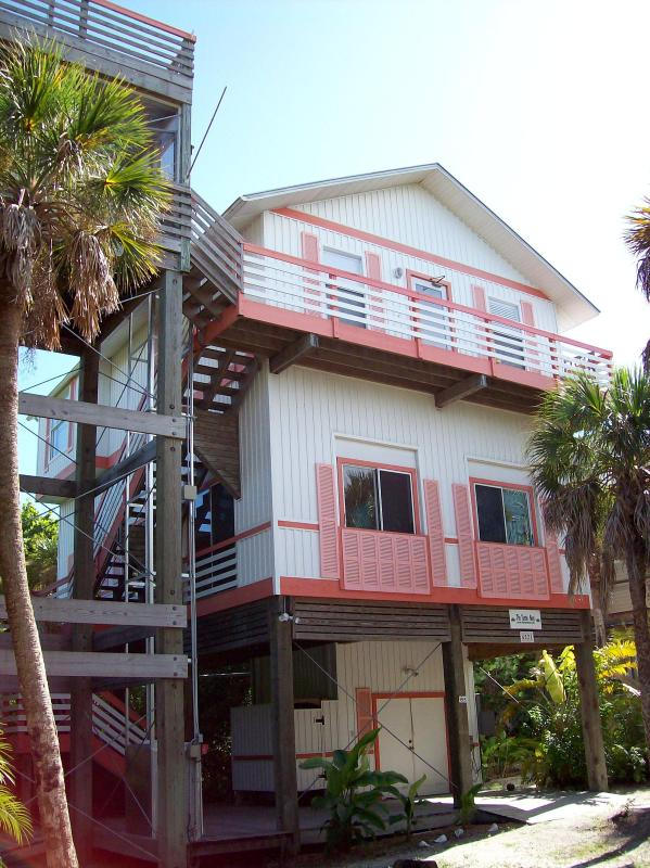 Turtlenest beach house. - Turtlenest, 4 bed 3 bath home on N. Captiva Island - Captiva Island - rentals