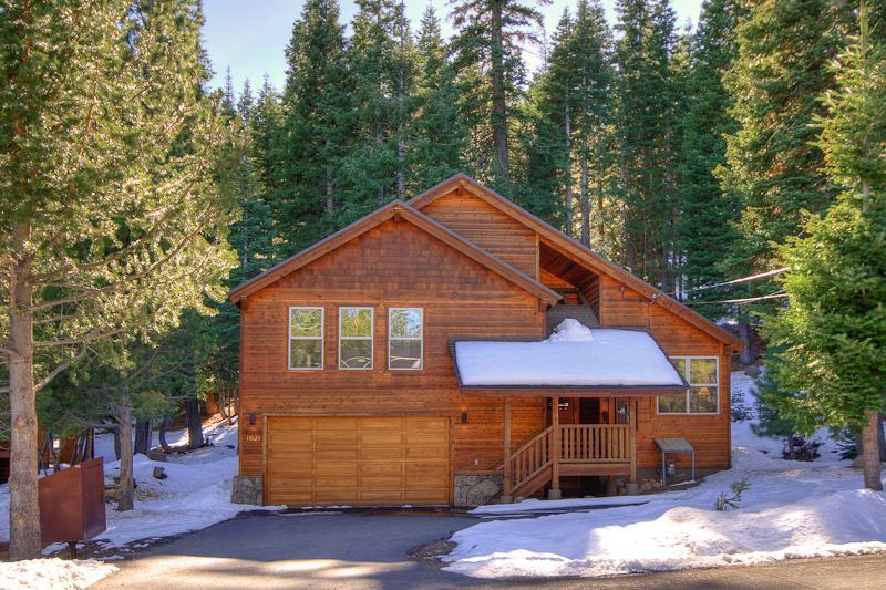 Tahoe Donner Home Away from Home-Exterior - Tahoe Donner Home Away from Home!!! - Truckee - rentals