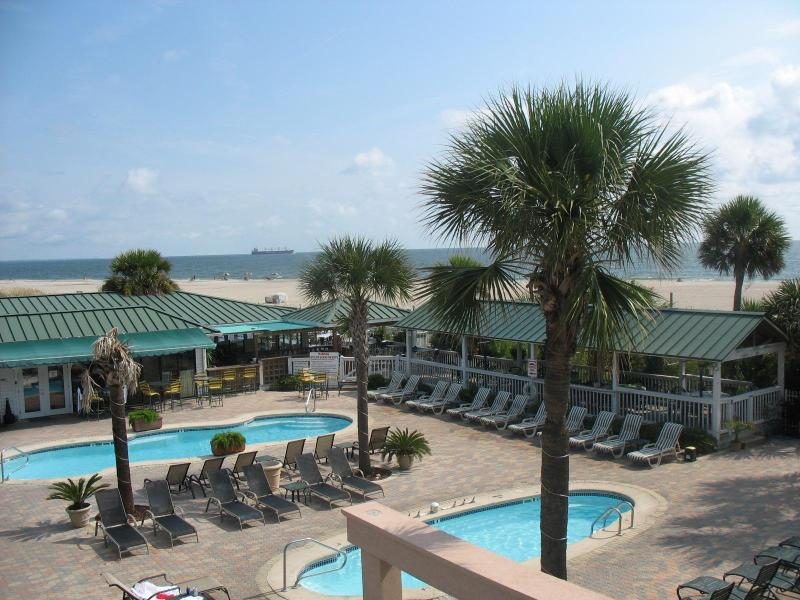 3 oceanfront pools in complex with direct beach access - 3 BR Condo, 3 Pools, Hot Tub, Oceanfront Complex - Tybee Island - rentals