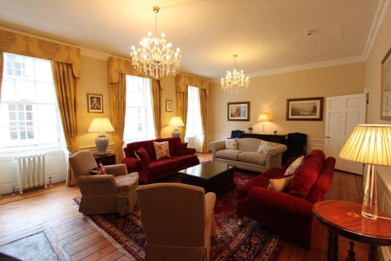 Edinburgh Maison - Luxury 5 bed/5 bath Townhouse - Image 1 - Edinburgh - rentals