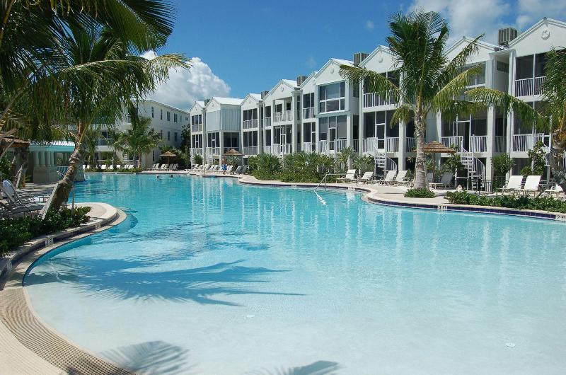 Oasis pool - Oasis Vacation!  406 Mariners Club Key Largo - Key Largo - rentals