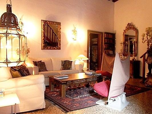 living room - Elegant, atmospheric, large 12th century apartment - Venice - rentals