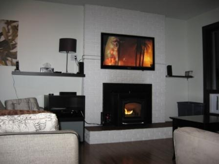Two Big Screens, Surround Sound Movie Library - Tremblant Ski Chalet, Book Weekday Specials - Mont Tremblant - rentals