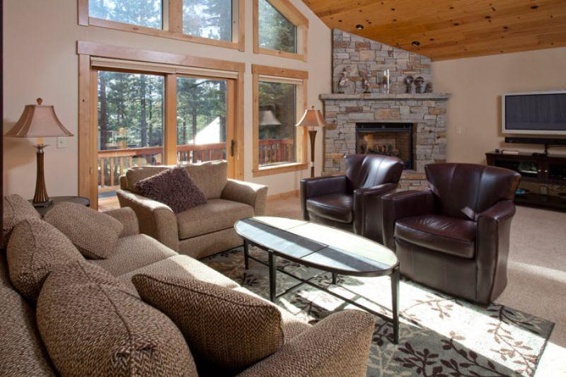 Belposto **Upscale Tahoe Donner home- walk to Rec center!** - Image 1 - Truckee - rentals