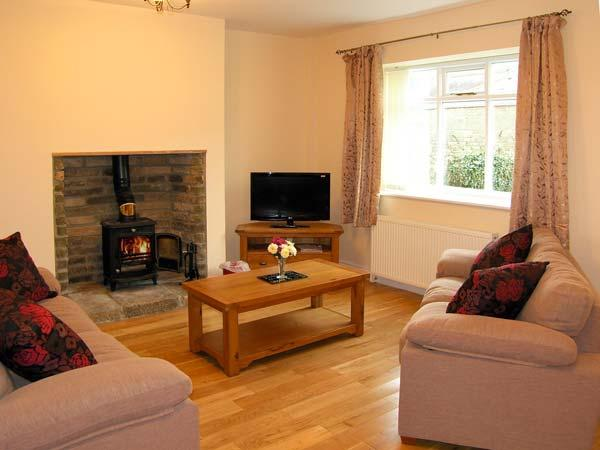 HOUGHTON NORTH FARM COTTAGE, family friendly, country holiday cottage in Heddon-On-The-Wall Near Hexham, Ref 10513 - Image 1 - Northumberland - rentals