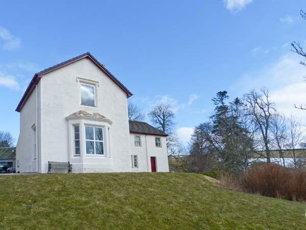 RIECHIP, pet friendly, character holiday cottage, with a garden in Dunkeld, Ref 10725 - Image 1 - Dunkeld - rentals