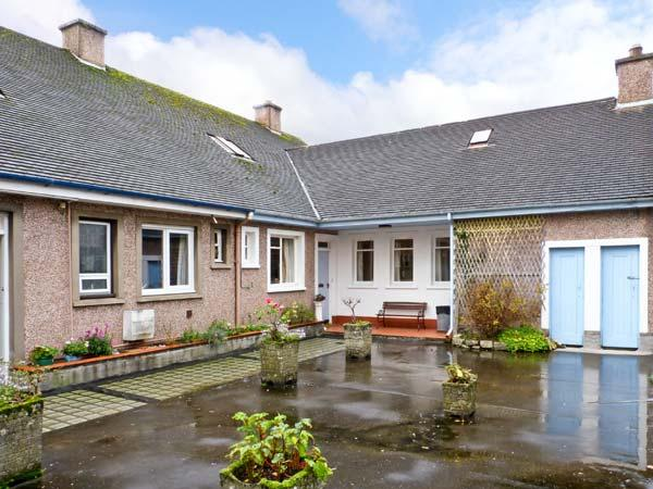 BAY VIEW APARTMENT, family friendly, with a garden in Oban, Ref 11798 - Image 1 - Oban - rentals