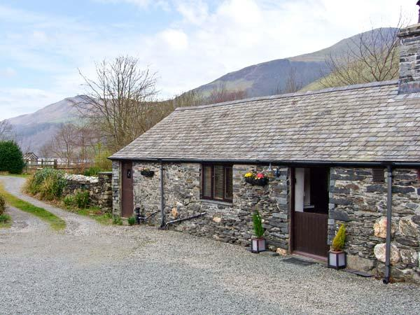 THE BARN, character holiday cottage, with a garden in Tal Y Llyn, Ref 12265 - Image 1 - Tal-y-llyn - rentals