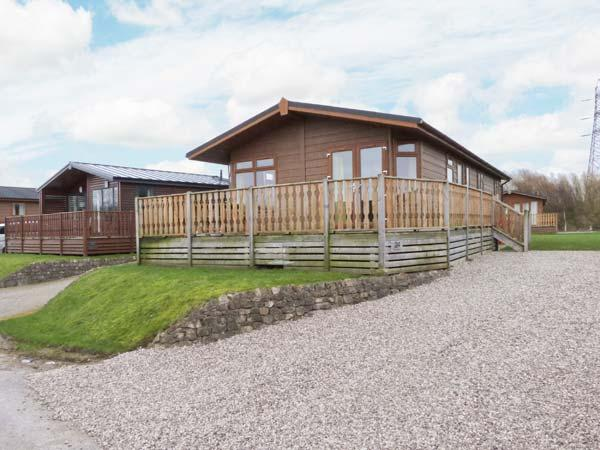 GRESSINGHAM TWENTY FOUR, pet friendly, country holiday cottage, with pool in South Lakeland Leisure Village, Ref 12263 - Image 1 - South Lakeland Leisure Village - rentals