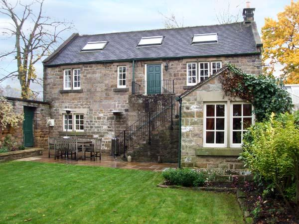 ROTHERWOOD COTTAGE, family friendly, character holiday cottage, with a garden in Matlock, Ref 11150 - Image 1 - Matlock - rentals
