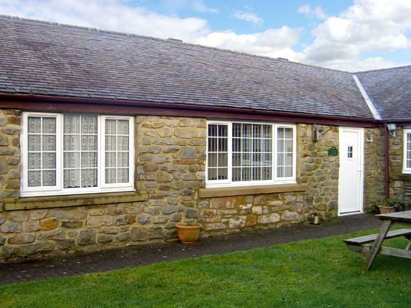 CURLEW, family friendly, country holiday cottage, with a garden in Haydon Bridge, Ref 12159 - Image 1 - Haydon Bridge - rentals