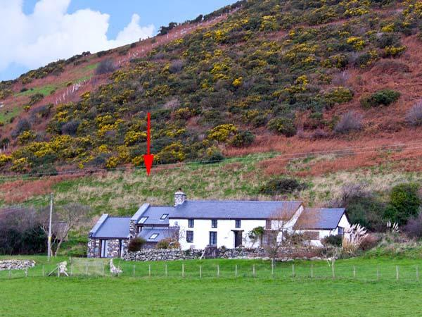 NANT-Y-PWL COTTAGE, family friendly, luxury holiday cottage, with a garden in Bryncrug, Ref 12092 - Image 1 - Bryncrug - rentals
