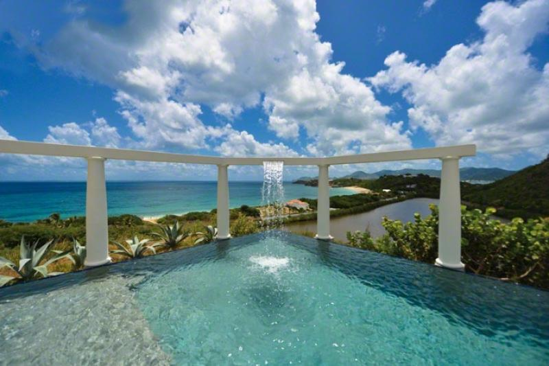 Nid d'Amour...Spectacular Views over Baie Rouge, St Martin 800 480 8555 - NID D'AMOUR... the Love Nest. fabulous, romantic views, 2 equal master suites - Baie Rouge - rentals