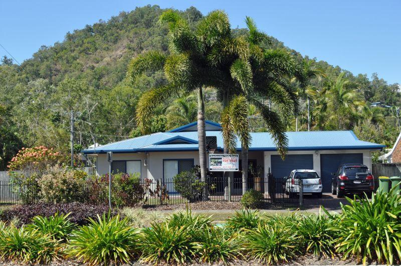 Beachcomber Holiday House at Trinity Beach - 5 Bedroom House close to Trinity Beach, pool, spa - Cairns - rentals