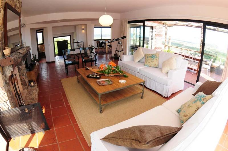 Living/Dining Area - Luxury 2 or 3 bed Ocean View Villa 5 Min fr. Beach - Piriapolis - rentals