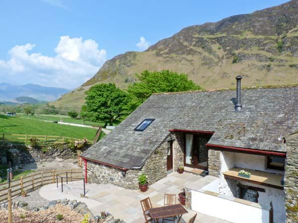 THE HAYLOFT, pet friendly, luxury holiday cottage, with open fire in Newlands, Ref 9031 - Image 1 - Newlands - rentals