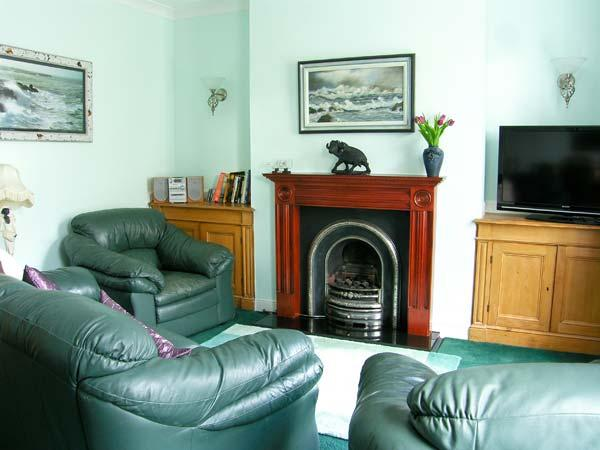 FIREMAN'S REST, pet friendly in Whitby, Ref 12391 - Image 1 - Whitby - rentals