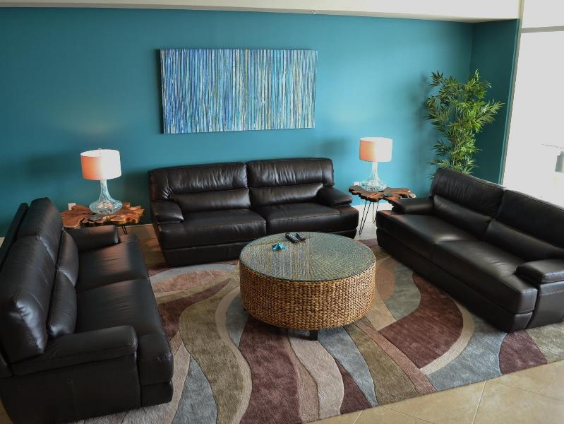 Three leather sofas in main room, overlooking Gulf - HUGE 600 sq ft room, fireplace, flat-panel TV - APRIL DISCOUNTS, Cat's Meow @ Turquoise Place - Orange Beach - rentals
