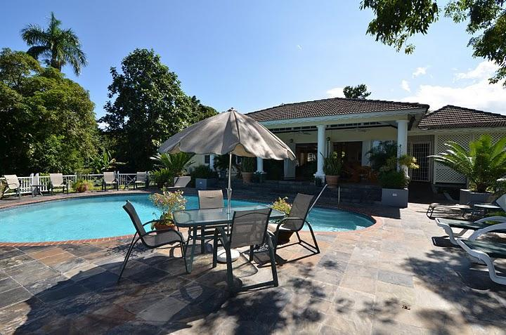 Pool & Pool Deck - Spicy Hill Villa, 5 Bedroom, Port Antonio, Jamaica - Port Antonio - rentals