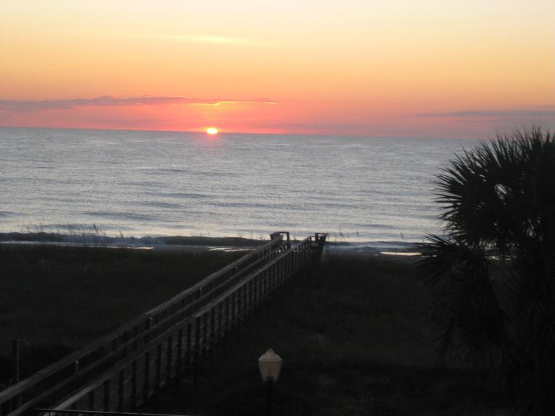 VIEW of sunrise :) From the spacious balcony - OCEANFRONT Amelia Island FLORIDA Fernandina Beach - Fernandina Beach - rentals