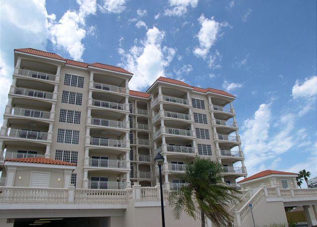 La Vistana 703-Luxury Gulf Front 3 bedroom, pool, 2 spas, BBQ & fitness room - Image 1 - Redington Shores - rentals