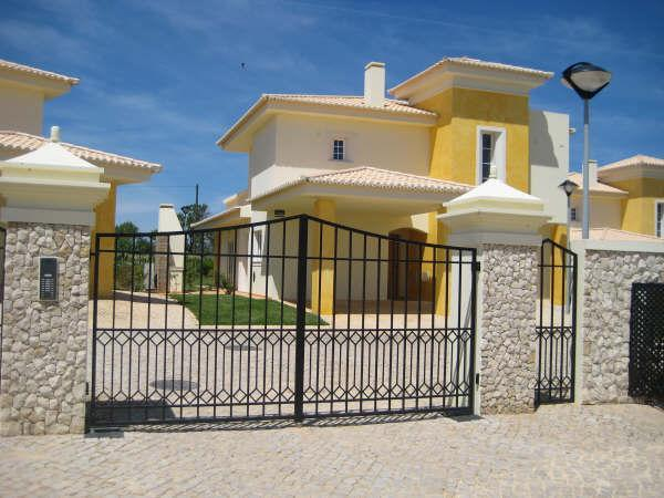 Colina da Atalaia entrance - Luxury Villa with own pool & shared pool, Lagos - Lagos - rentals