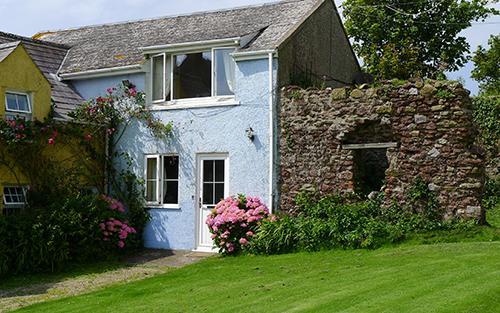 Five Star Pet Friendly Holiday Cottage - Smithies Cottage, Orlandon, Nr St Brides Beach - Image 1 - Pembrokeshire - rentals