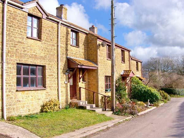 PLEASANT COTTAGE, pet friendly, country holiday cottage, with a garden in Corscombe, Ref 11250 - Image 1 - Corscombe - rentals