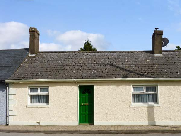 BURKE COTTAGE, pet friendly, character holiday cottage, with a garden in Lismore, County Waterford, Ref 11046 - Image 1 - Lismore - rentals