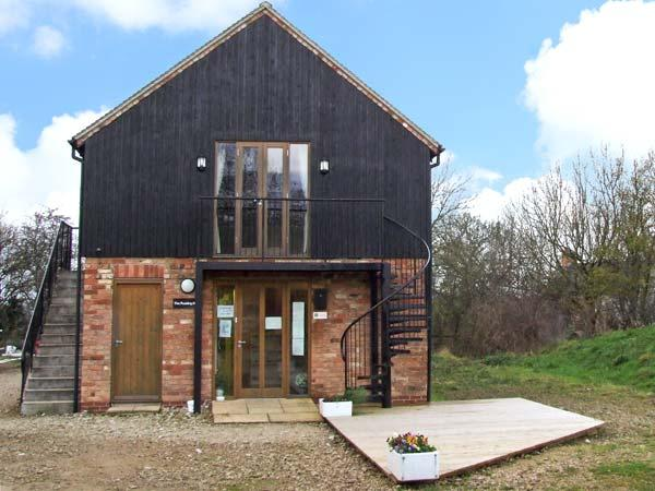 THE PUDDING ROOM, country holiday cottage, with a garden in Ashbourne, Ref 12220 - Image 1 - Ashbourne - rentals