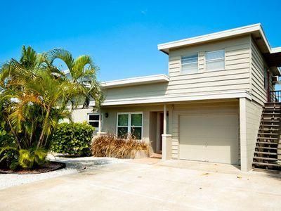 Front - Grant's View - 412 S Bay Blvd - Anna Maria - rentals
