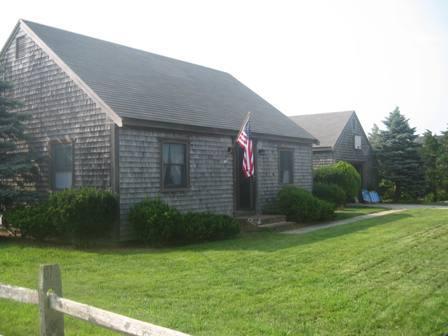2 Bedroom 1 Bathroom Vacation Rental in Nantucket that sleeps 4 -(10107) - Image 1 - Nantucket - rentals