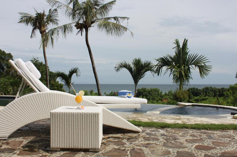 Luxury villa with pool and ocean view  DISCOUNT10% - Image 1 - Lovina - rentals