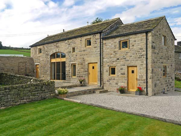 STONEYCROFT BARN, luxury holiday cottage, with a garden in Midhopestones, Ref 6188 - Image 1 - Stocksbridge - rentals