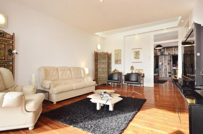 Luxury, spacious, bright flat with stunning views - Image 1 - Lisbon - rentals