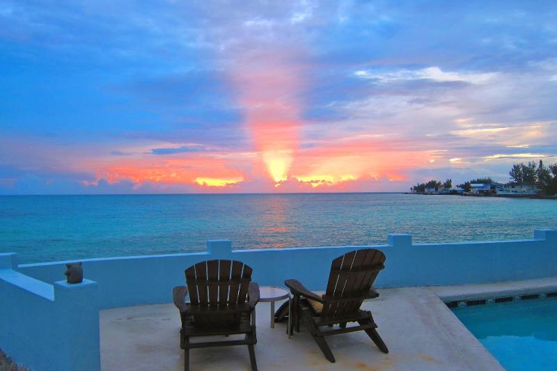 Morning at Water's Edge with that terrific ocean view - LUXURY 130ft of Oceanfront with Pool - DISCOUNT - Nassau - rentals