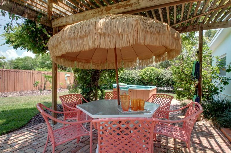Patio/BBQ/Spa area - Charming Florida Beach House 20 Seconds To Sand! - Clearwater - rentals