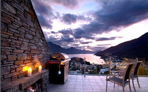 Downstairs Terrace at dusk - 25 On The Terrace, Queenstown - Queenstown - rentals