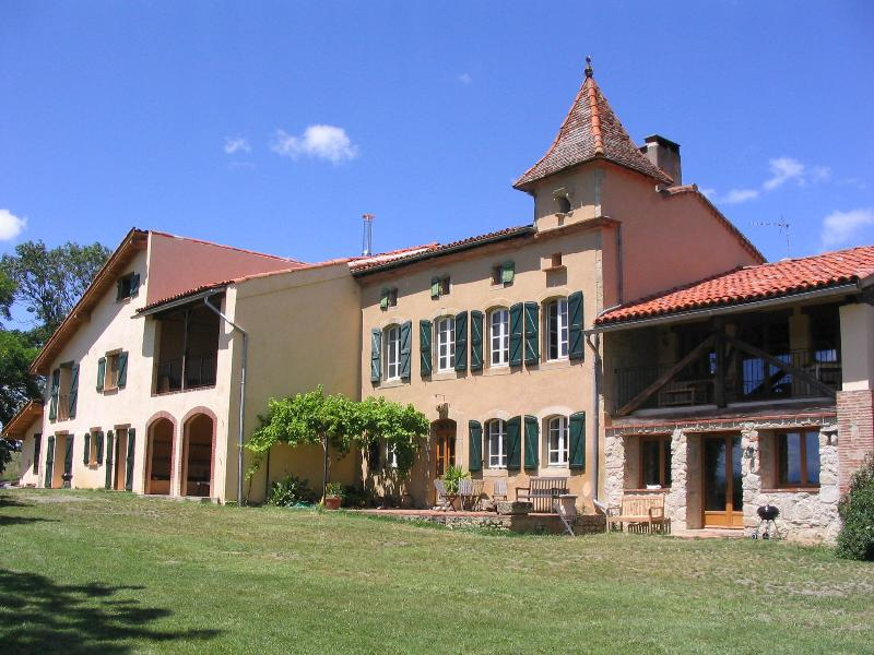 Manzac d'en Bas - the property - Top quality holiday property and pool in SW France - Castex - rentals