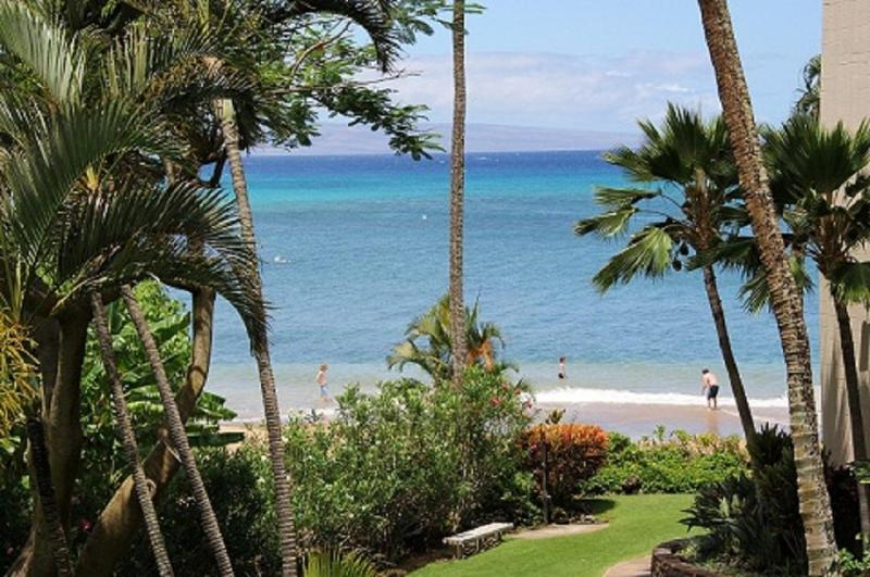 View from lanai - Maui Beautiful Westside Beach Front Condo - Lahaina - rentals