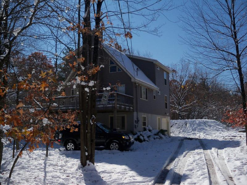 Front of House - Winter - Newer Pocono Mountain Chalet - WIFI - Albrightsville - rentals